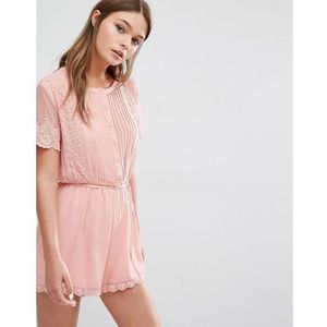 pretty playsuit with scallop lace - pink marki Fashion union