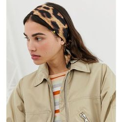 head scarf in leopard print - brown marki Monki